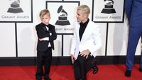 Justin kalah gaya dari Jaxon! Jason Merritt/Getty Images for NARAS/detikFoto.