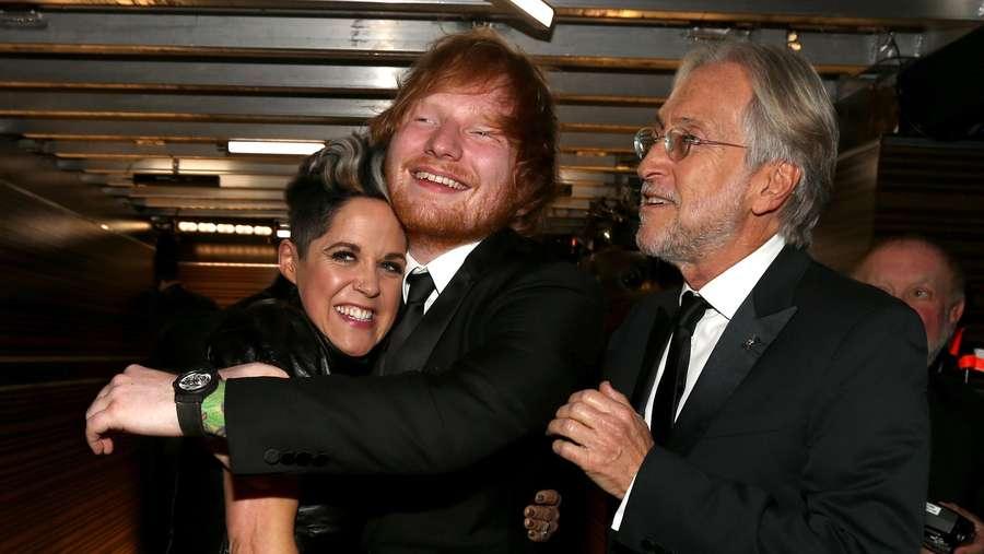 Seperti Apa Suasana Backstage Grammy 2016? Ini Foto-fotonya!