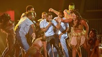 Penampilan spektakuler Kendrick Lamar membayar apa yang ditunggu oleh para penggemarnya. Kevork Djansezian/Getty Images/detikFoto.