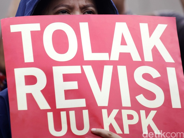 Mahasiswa Demo Lagi di DPRD NTB