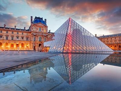 Louvre Buat Tur Privat, Bayarnya Rp 485 Juta!