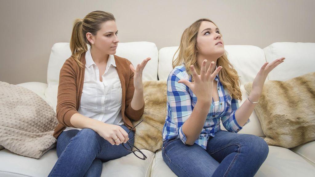 Menurut Survei, Mengomel Seperti Ini Bisa Bikin Anak Perempuan Lebih Sukses