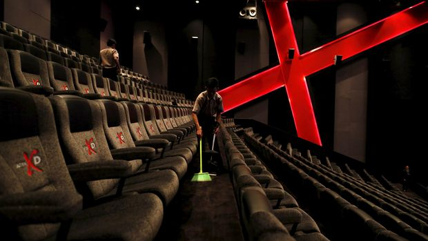 7 Kebiasaan Buruk Orang Indonesia Saat Nonton di Bioskop