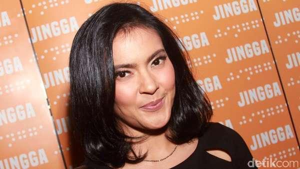 Lola Amaria di Pemutaran Perdana Film Jingga
