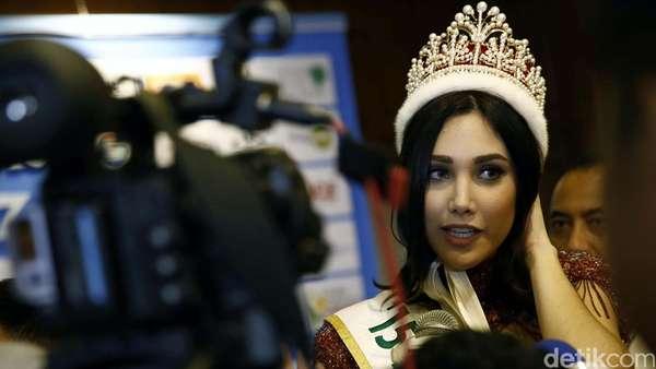 Miss International 2015 Cantik Bermahkota di Jakarta