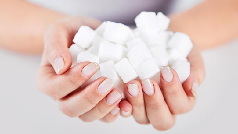 Ilustrasi anak makan gula/ Foto: thinkstock
