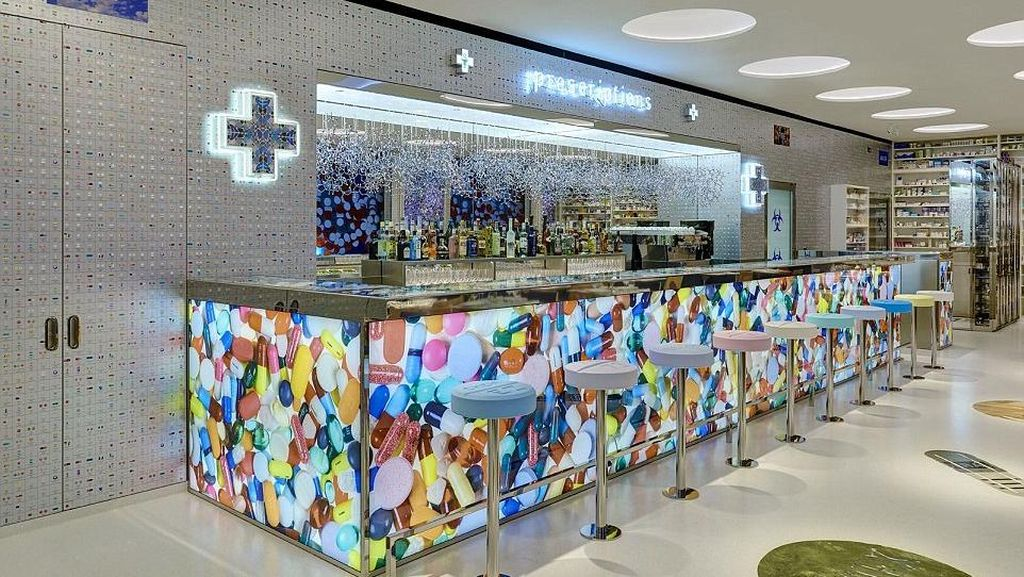 Restoran Pharmacy Karya Seniman Damien Hirst Kembali Dibuka
