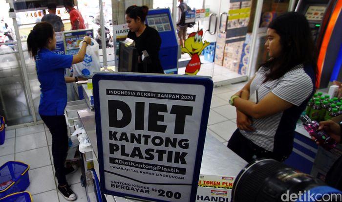 Aksi ini juga dilakukan secara serentak guna mendukung gerakan Indonesia bebas dari sampah tahun 2020.