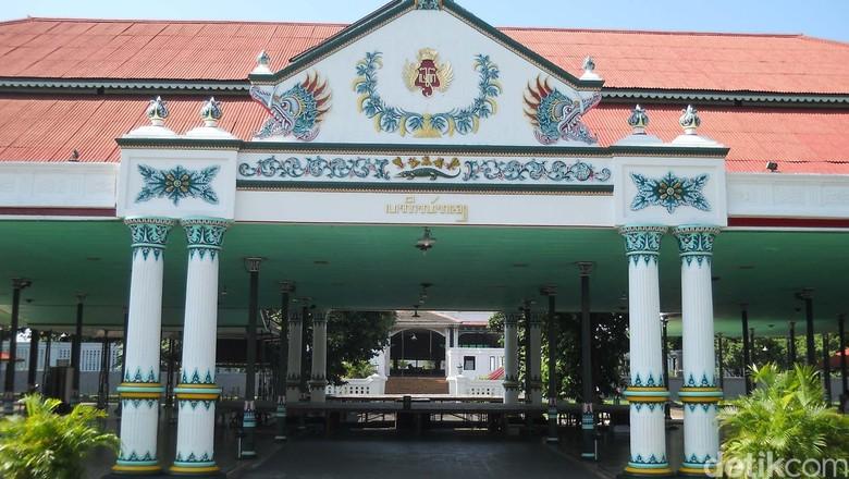 Temui Sultan HB X, Sandiaga Uno Sowan ke Keraton Yogya