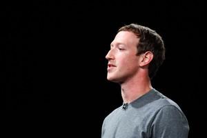Blak-blakan Zuckerberg di Ultah ke-14 Facebook