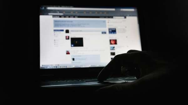 Inggris Tambah Aturan Medsos Cegah Cyberbullying