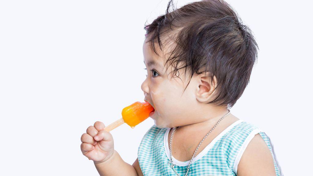 Es Krim Bisa Bantu Atasi Sariawan si Kecil? Ini Kata Dokter