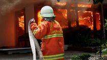 Kebakaran Rumah di Tanjung Priok, 13 Unit Mobil Damkar Dikerahkan