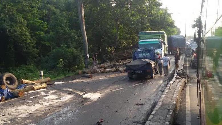 Kecelakaan Beruntun di Purwodadi, Satu Orang Meninggal