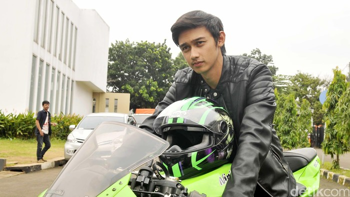 Immanuel Caesar Hito saat ditemui di lokasi syuting Anak Jalanan di kawasan Ceger, Jakarta Timur, Selasa (23/2/2016).