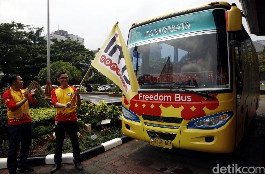 Indosat Ooredoo melakukan pelepasan enam unit Freedom Bus IM3 di Kantor Indosat, Jakarta, Rabu (24/2/2016).