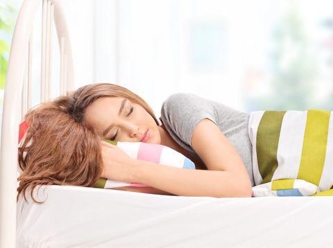 5 Kebiasaan Wajib Sebelum Keluar Rumah agar Kulit Cantik Berseri
