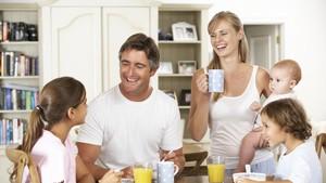 Penyebab Perlakuan Orang Tua pada si Sulung dan Adik-adiknya Beda