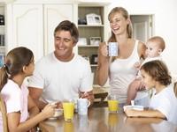 1. Berkumpul dengan Keluarga