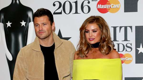 Ups! Dua Seleb Ini Kenakan Baju yang Sama di BRIT Awards 2016