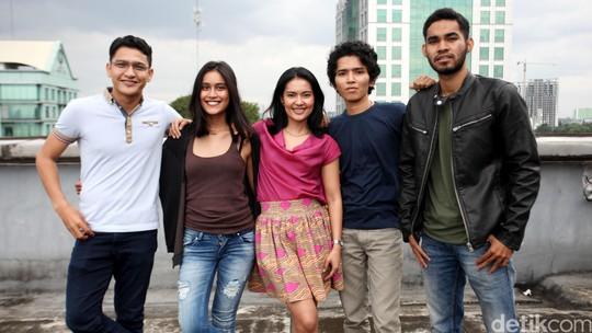 Ngobrol Seru Bareng Lola Amaria dan Bintang Film Jingga