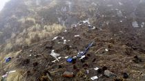 Video Puing-puing Pesawat Twin Otter yang Jatuh di Mimika Papua