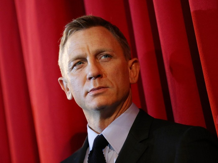 BERLIN, GERMANY - OCTOBER 28:  Actor Daniel Craig attends the German premiere of the new James Bond movie Spectre at CineStar on October 28, 2015 in Berlin, Germany.  (Photo by Sean Gallup/Getty Images for Sony Pictures)