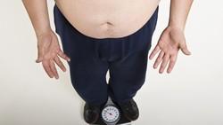 Meskipun kelihatannya tidak terlalu berpengaruh besar, nyatanya kebiasaan sepele ini bisa mengantarkan Anda menuju berat badan berlebih. Oh no!
