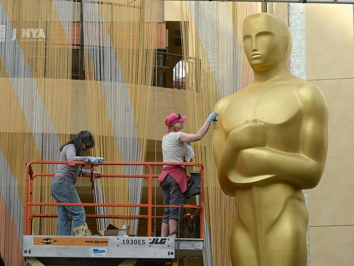 HOLLYWOOD, CA - FEBRUARY 23:  Workers make preparations for the 88th Annual Academy Awards at Hollywood & Highland Center on February 23, 2016 in Hollywood, California.  (Photo by Kevork Djansezian/Getty Images)