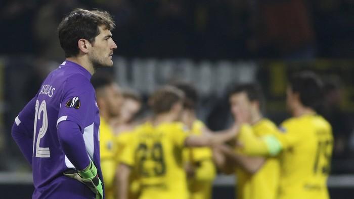 Iker Casillas mengalami serangan jantung di usia yang masih relatif muda (Foto: REUTERS/Ina Fassbender)