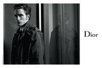 Kurang Senyum, Robert Pattinson Hampir Dipecat dari Twilight