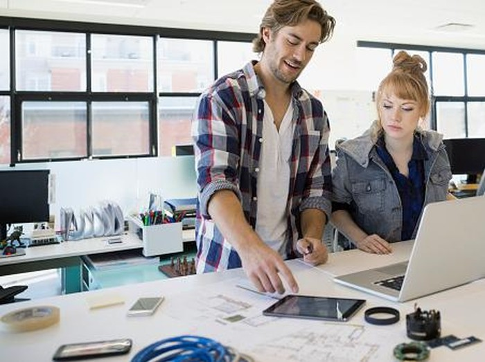 Ada 5 benda yang paling kotor di meja kerja. Foto: Getty Images