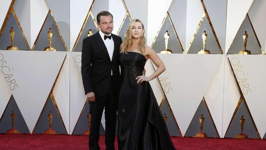 Jack and Rose Forever! Leonardo DiCaprio dan Kate Winslet di Oscar