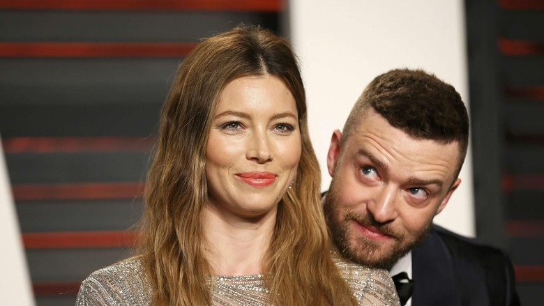 Justin Timberlake and Jessica Biel arrive at the Vanity Fair Oscar Party in Beverly Hills, California February 28, 2016.  REUTERS/Danny Moloshok