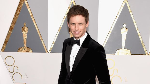 HOLLYWOOD, CA - FEBRUARY 28:  Actor Eddie Redmayne attends the 88th Annual Academy Awards at Hollywood & Highland Center on February 28, 2016 in Hollywood, California.  (Photo by Ethan Miller/Getty Images)