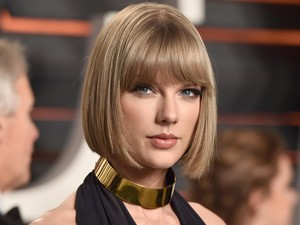 Kocak, Geng Taylor Swift Ikut Buat Video Mannequin Challenge