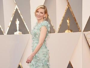 Cate Blanchett Nekat Potong Rambut Beberapa Jam Sebelum Tampil di Oscar