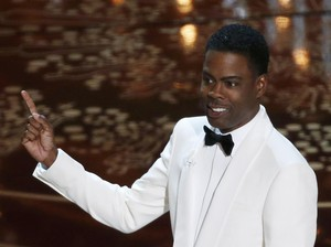 Chris Rock yang Hadapi Isu Rasial Oscar dengan Berkelas