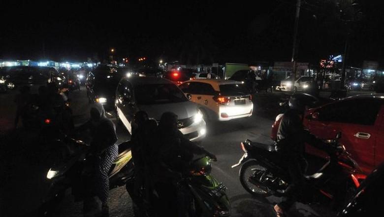 Status Peringatan Dini Tsunami Dicabut, Warga Padang Mulai Kembali ke Rumah