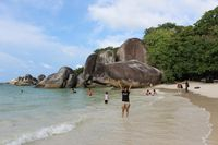 Pantai Tanjung Tinggi (Darwance Law/d'Traveler)