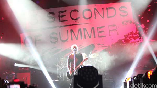 Aksi 5 Seconds of Summer Guncang Indonesia