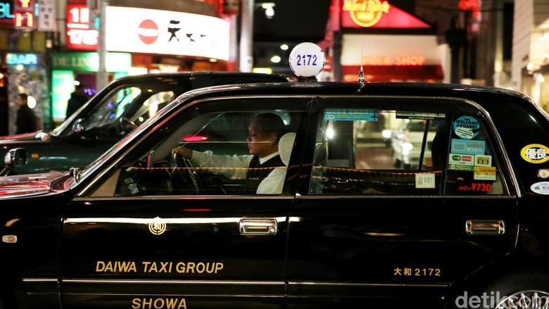 Taksi di Kota Tokyo, Jepang yang dikenal bertarif super mahal.