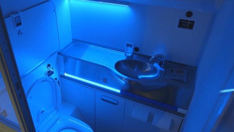 Desain toilet masa depan rancangan Boeing