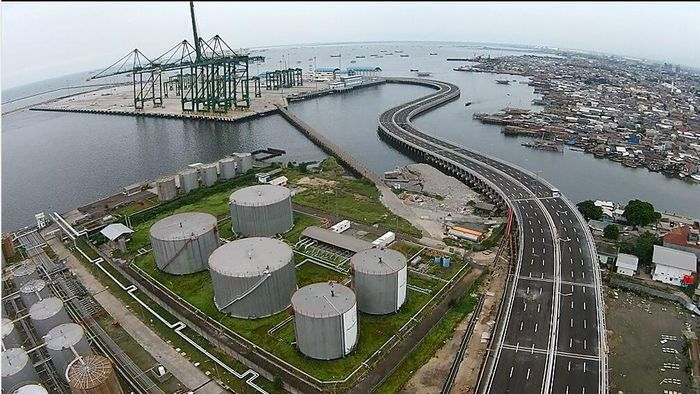 Pelabuhan New Priok Akan Dilengkapi Depo Minyak