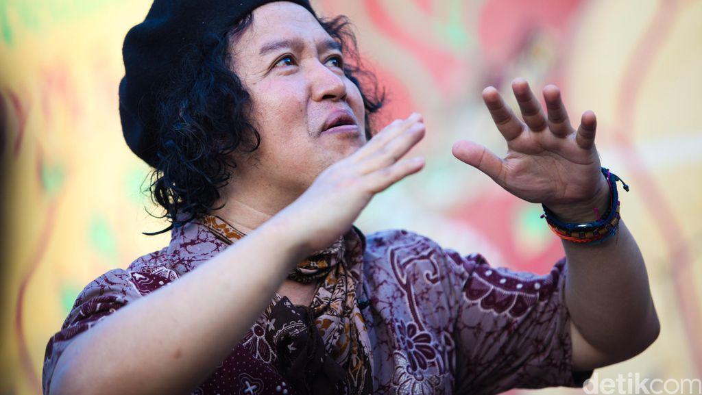 Andrea Hirata Antusias Sambut Gerhana Matahari di Kampung Halaman