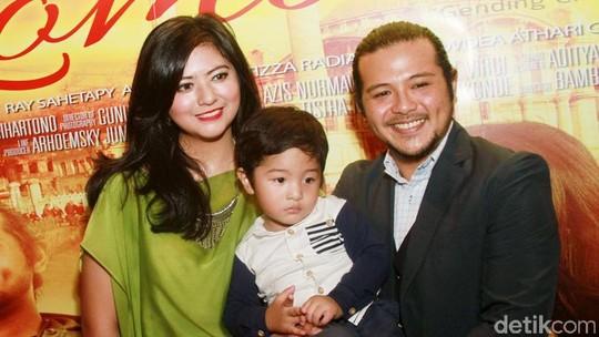 Kebersamaan Ramon Y Tungka, Qory Sandioriva dan Putra Kesayangannya