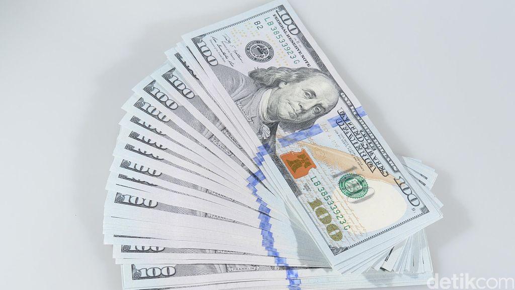 Rupiah Rontok, Dolar AS Perkasa di Rp 14.159