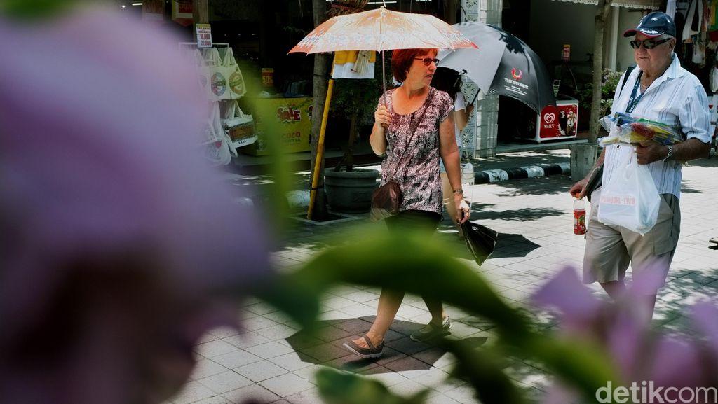 Kunjungan Wisman ke RI Turun Jadi 1,2 Juta Selama Puasa