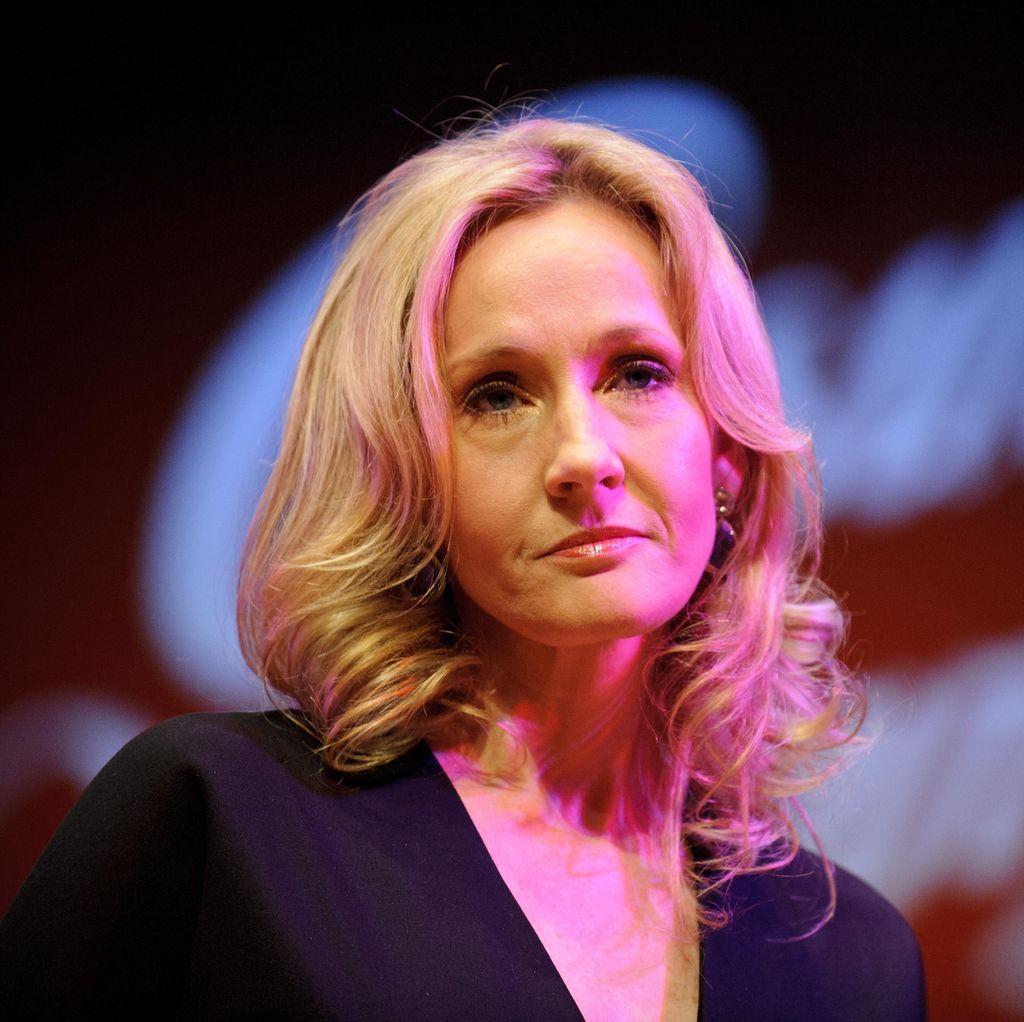 J.K Rowling: Menulis dengan Nama Samaran Adalah Strategi Saya