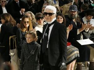 Kim Kardashian Dirampok, Karl Lagerfeld: Jangan Pamer Kekayaan